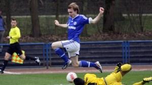 Action from Schalke v Theesen.